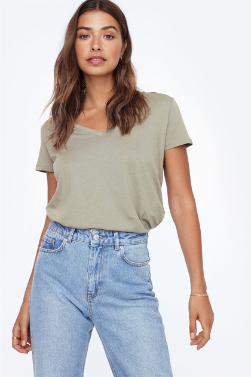 cbeb5dc0373 Toppe - Tøj Til Kvinder - Mode Online | Chiquelle.com - Tøj, Kjoler ...